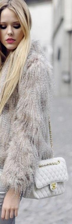Chanel Street style ♥✤   Keep Smiling   BeStayBeautiful