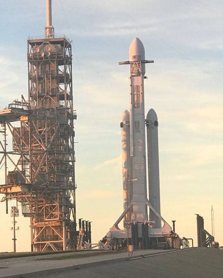 Today is the day! All systems remain go for todays test flight of Falcon Heavy. Weather is 90% favorable for todays two-and-a-half hour launch window which opens at 1:30 p.m. EST Post Credits To: @elonmuskpage #xboxone #leagueoflegends #google #computer #pc #videogames #electronics #ps4 #xbox #colourful #follow4like #entrepreneurship #facebook #software #android #electriccar #teslamodels #solar #reality #quantumcomputing #electriccars #solarenergy #quantumphysics #einstein #teslamotors…