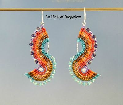I want these! Nice micromacrame from Claudia.