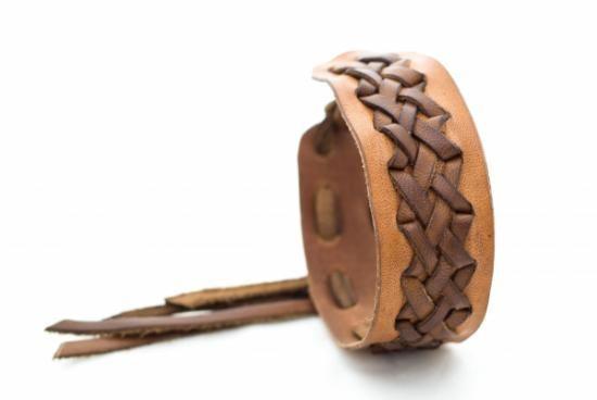 pulsera de cuero trenzada  cuero a mano