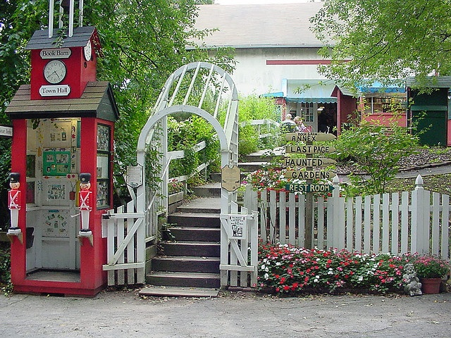 Entrance by Book Barn, Niantic, CT via Flickr