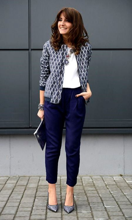e060fdd1df639 What to Wear to Your Spring Internship   white top blazer clutch pants heels