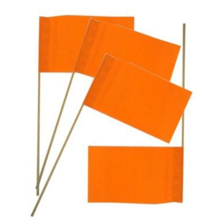 Wat doen we als Nederland scoort? Juist,  zwaaien met deze prachtige oranje papieren zwaaivlaggetjes!Vlaggenclub heeft nog veel meer vrolijke, originele Oranje versieringen en feestartikelen.
