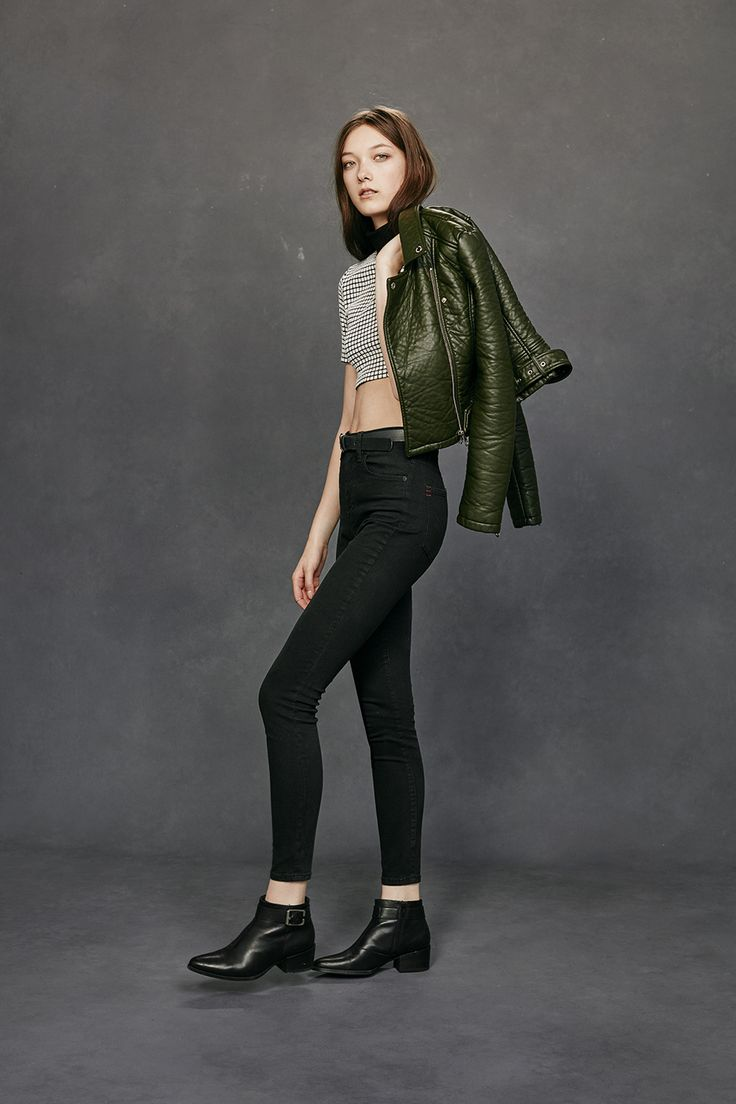 Houndstooth checked gingham black and white cropped top with skinny jeans and ankle boots green khaki leather jacket