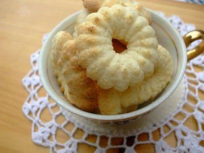 Apressados: Biscoitos de polvilho (tipo sequilhos)