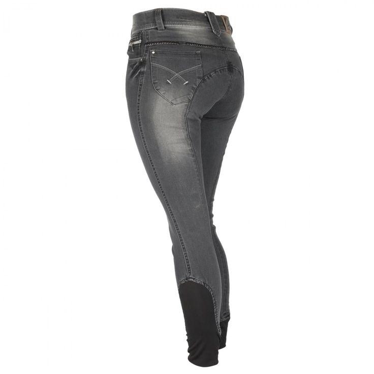 De Harry's Horse Dirty Denim #rijbroek heeft steekzakken, studs, een rondgenaaid zitvlak en kniestukken met siliconen grip. De onderzijde van de broek is afgwerkt met elastisch materiaal. www.divoza.com