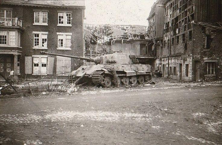 Tiger II N°222 s.SS Pz.Abt 501 | Panzertruppen | Flickr