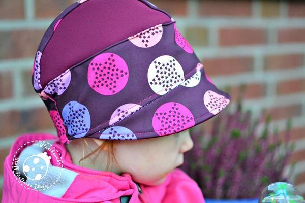 """Aktuell findet im Shop gerade die Themenwoche """"Softshell"""" - deshalb wollte ich gern eine Ballonhose """"Svenna"""" von meine Herzenswelt & eine Softshell-Mütze nähen."""