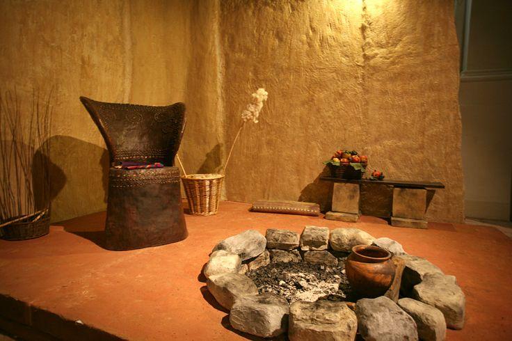 https://flic.kr/p/di7uJT   Verucchio. Museo civico archeologico villanoviano   foto di PH Paritani  E' una delle perle e maggiori sorprese di cultura ed arte dell'entroterra riminese.  Non solo la rarità ma la grande raffinatezza estetica dei reperti (che ci arrivano da centinaia di tombe villanoviano – etrusche databili da X al VI secolo a. C.) ne fanno un museo davvero da non perdere.  www.riviera.rimini.it www.facebook.com/RivieraDiRimini