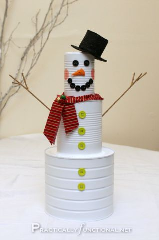 How cute is this tin can snowman! Save up those tin cans! #holiday #christmas #snowman
