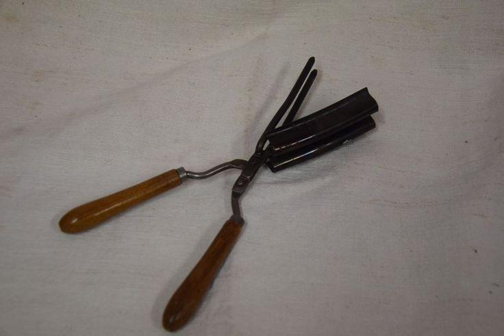 Ferro Arriccia Capelli ferro e legno lung. cm. 24 prima metà XX (V3)