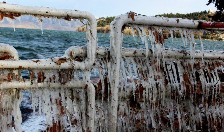 Οι παγοκρύσταλλοι της Βόρεια Παραλίας - φωτογραφίες που μαγνητίζουν - AboutKastoria.gr