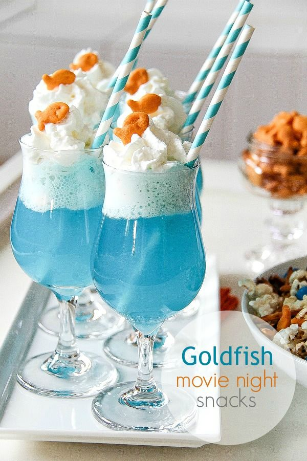 How cute are these?! for an Under the Sea theme movie night or party.  Goldfish Crackers Ice Cream Float