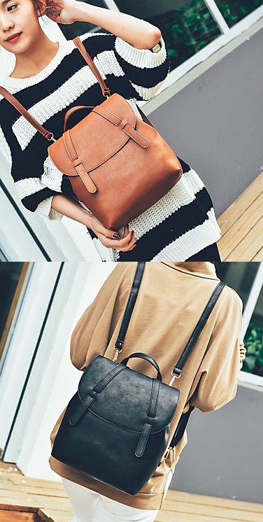Loving the design from this small backpack, isn't it super fashionable? Repin if you also like it <3