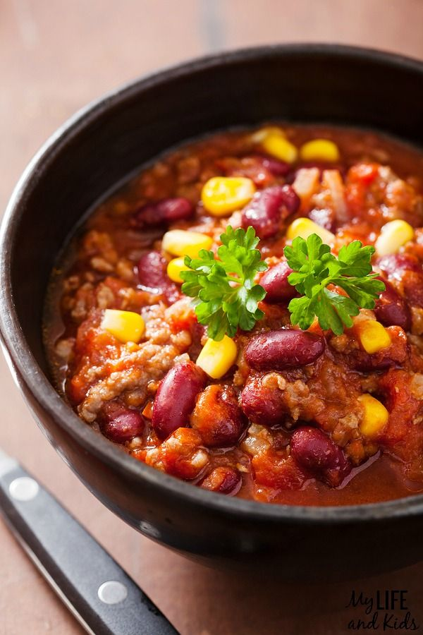 Super simple crockpot chili recipe. This is a family favorite - and we make it at least once a week! You'll want to add this into your weekly meal rotation too! Great fall meal!