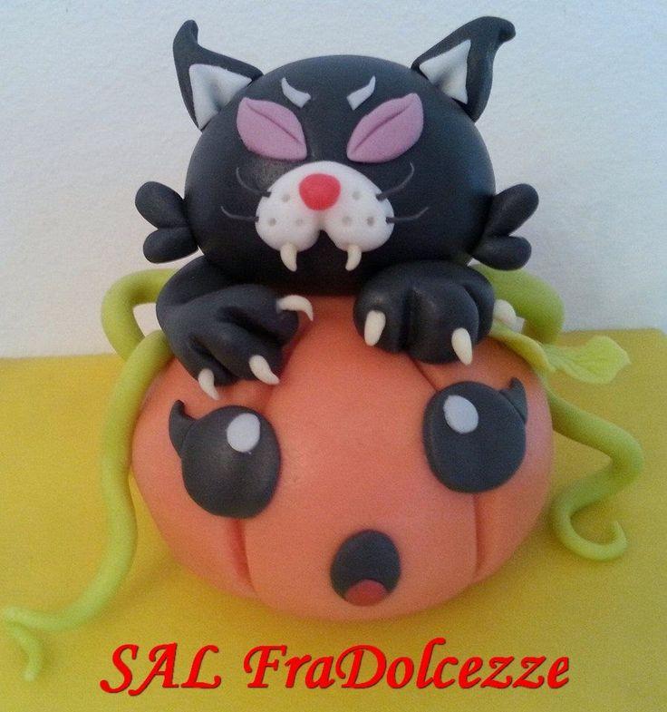 FraDolcezze: GATTO MANNARO KAWAII. Torte decorate in pasta di zucchero. Halloween