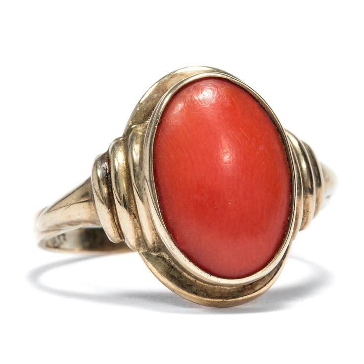 Meeresleuchten - Dynamischer Art Déco Ring aus Gold & Koralle, um 1950 von Hofer Antikschmuck aus Berlin // #hoferantikschmuck #antik #schmuck #antique #jewellery #jewelry