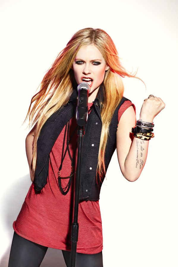 Uni-President Ice Tea (Mark Liddell) • 12 • Avril Lavigne • Gallery • Avril-Italy