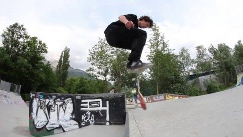 NBD?! LATE BACKFOOT BIG SPIN DOUBLE HEEL?! - http://dailyskatetube.com/switzerland/nbd-late-backfoot-big-spin-double-heel/ - Instagram: @jonny_Chinaski_Giger My Youtube Channel: http://www.youtube.com/user/Jonnyswitzerland NBD?! LATE BACKFOOT BIG SPIN DOUBLE HEEL?! Gonna call this the Racoon Flip. Because Racoons are awesome! Source: https://www.youtube.com/watch?v=_HwI6IefPIY