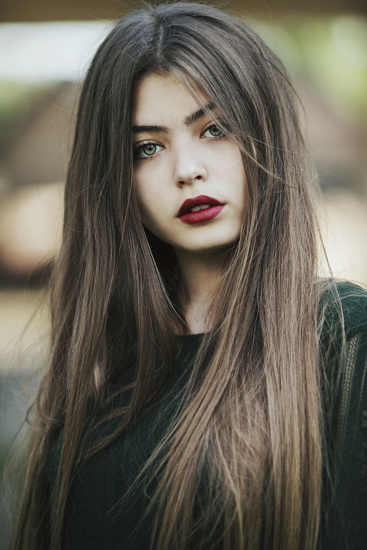 fata frumoasa, portret, ochi verzi