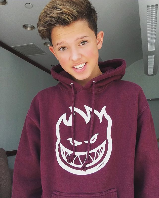 Hey guys I'm Jacob Sartorius. I love to sing, make videos, and meeting my fans;) *smiles* I'm 13. I'm single and looking so intro?