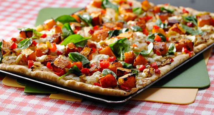 Pumpkin, Goats Cheese and Caramelised Onion Pizza +1 Edgell Diced Capsicum