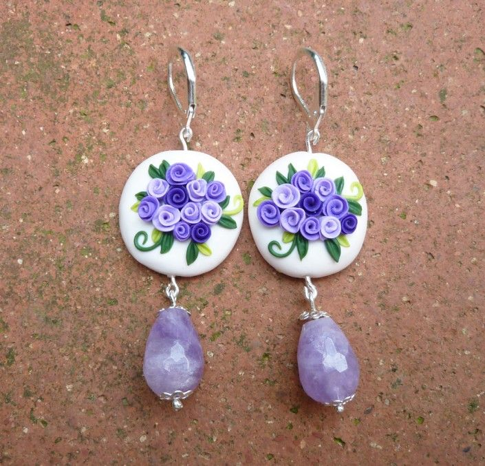 Earrings with violet and purple roses and violet stone pearl stone in polymer clay handmade - Orecchini con rose viola e perla in pietra vera viola in fimo fatto a mano