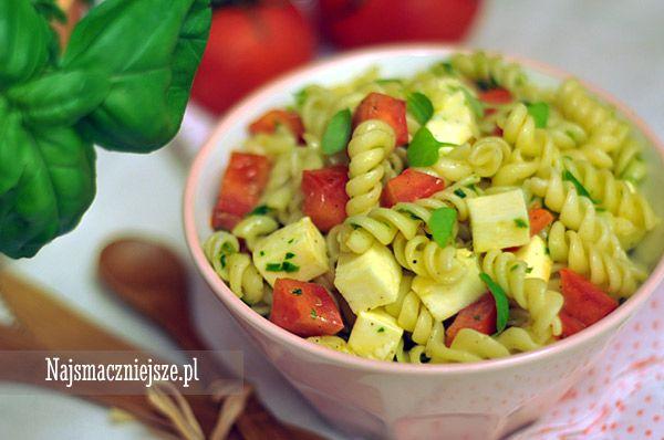 Makaron z pomidorami i mozzarellą, makaron z pomidorami, makaron z mozzarellą, http://najsmaczniejsze.pl #food #makaron #mozzarella #caprese