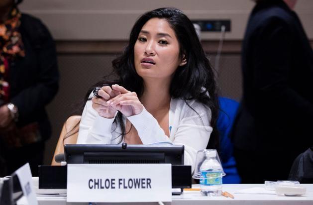 Die Pianistin, Komponistin und Menschenrechtsaktivistin Chloe Flower setzt sich in ihren philanthropischen Projekten vor allem gegen Menschenhandel und Sexsklaverei ein.