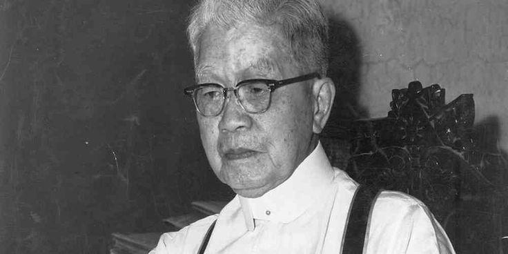 "Top News: ""PHILIPPINE: Emilio AguinaldoBiography And Profile"" - http://politicoscope.com/wp-content/uploads/2016/10/Emilio-Aguinaldo-Philippine-News-790x395.jpg - Revolutionary leader Emilio Aguinaldo was born on March 22, 1869, in Kawit, Cavite, Philippines. Read Emilio AguinaldoBiography and Profile.  on Politicoscope - http://politicoscope.com/2016/10/23/philippine-emilio-aguinaldo-biography-and-profile/."