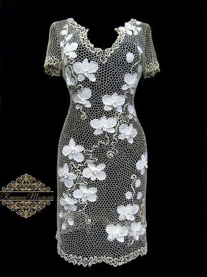 Купить или заказать Платье 'Белая орхидея' в интернет-магазине на Ярмарке Мастеров. Хлопковое платье с шелковым декором то что нужно в летнюю жару и на торжественном вечере! Нежная,женственная композиция никого не оставит равнодушным. Выполню на заказ в любом цвете и размере.