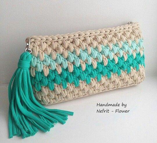 👝 Cartera em Crochê Colorida com Franjas - / 👝 Cartera up Crochet Hooks Colorful with Fringes -