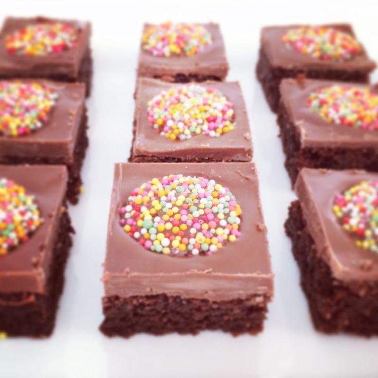Chocolate Weet-Bix Slice! So easy and so yummy. http://www.bakeplaysmile.com/chocolate-weet-bix-slice/