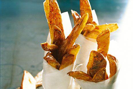Friterade potatisskal med pepparrotsdipp | Köket.se
