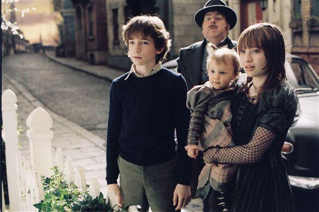 "Кадр из фильма ""Лемони Сникет: 33 несчастья"" (A Series of Unfortunate Events, 2004) #kinopoisk"