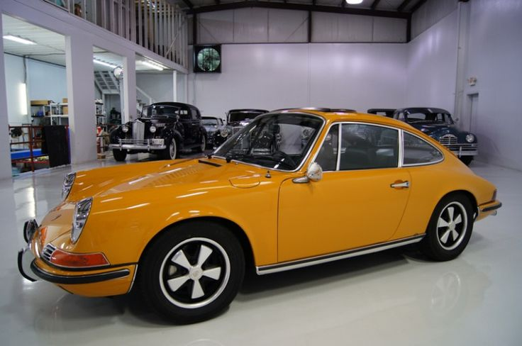 1969 Porsche 911S in Bahama Yellow
