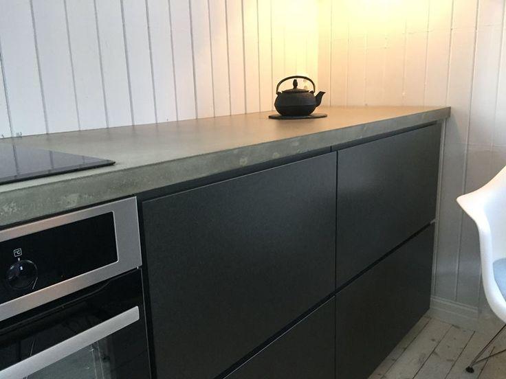 Studio10 valchromat grey, bambus benkeplate og betongvegg. vakkert ...