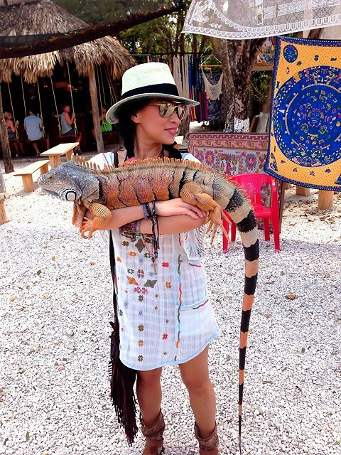 """This lady is the coolest person ever. """"Just walking around town with my Iguana...no big deal."""""""