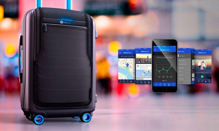 The Internet of Things.   Denne gang er det kufferten, der er blevet digitaliseret!   Navnet er Bluesmart  Det' genialt det der!