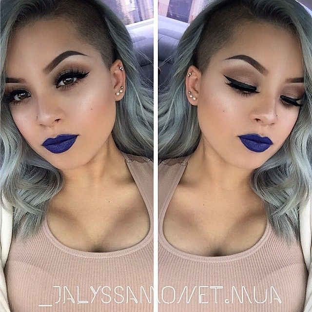 Blue lips. You would think they would look too out there and wacky but she looks gorgeous.