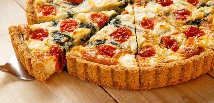 La ricetta della torta salata veloce con pomodorini secchi accontenterà proprio tutti: perfetta per i vegetariani, piace tantissimo anche ai bambini!