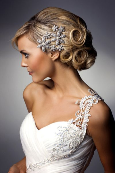Love that dress!! the beading is simply exquisite: Hair Piece, Wedding Hair, Hairstyles, Wedding Ideas, Weddings, Wedding Dress, Hair Style, Updo