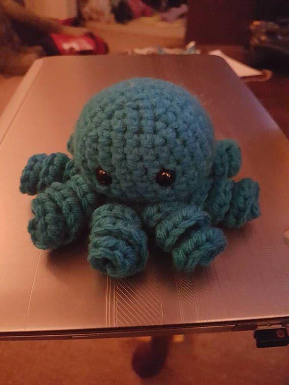 Octopus Amigurumi  Check out this item in my Etsy shop https://www.etsy.com/ca/listing/536686525/octopus-amigurumi