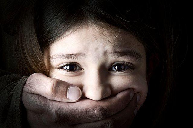 """Szwedzki sąd zaakceptował pedofilię – by legalnie być pedofilem musisz być w grupie """"uprzywilejowanej"""""""