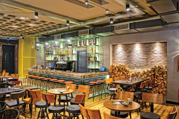 Διαμόρφωση καφέ - μπαρ σε παραδοσιακό κτίριο στα Ιωάννινα, G2 Lab - Ευθυμιάδης Γιώργος & Γιάννης