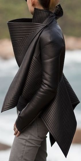 Gareth Pugh - I like the structure of this piece.