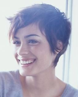 Love Shannyn's haircut---one of these days when I'm ready to chop off of my long hair----