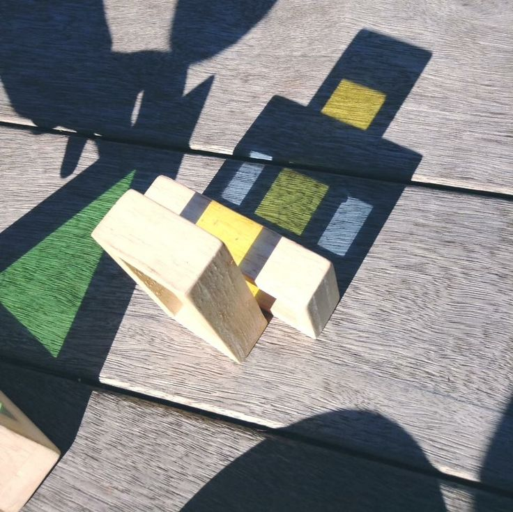 Colour mixing with shadows