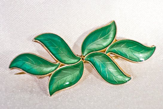 Vinatge brooch: David Andersen green enamel leaf brooch; exquisite Norwegian silver with immaculate enameling