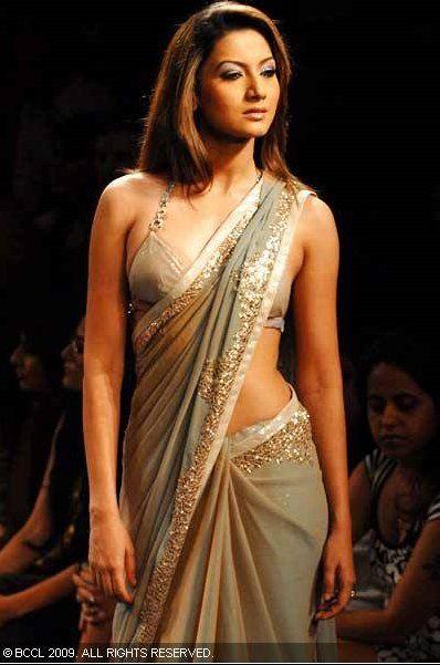 Actor, Dancer Gauhar Khan @ Lakme Fashion Week, 2010